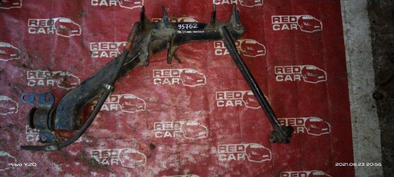 Рычаг Toyota Caldina ZZT245 задний правый (б/у)