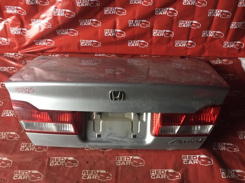 Крышка багажника Honda Accord CF3-1313614 F18B-2113822 2002 (б/у)