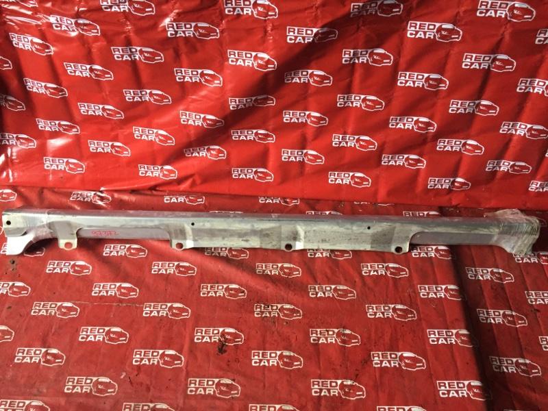 Порог Toyota Ractis NCP105-0006171 1NZ-C036969 2006 (б/у)