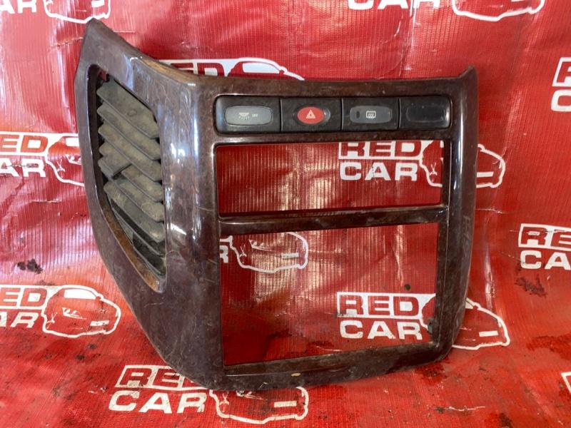 Центральная консоль Nissan Elgrand ATWE50