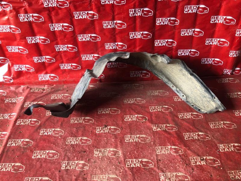 Подкрылок Toyota Carib AE111-7071013 4A-H371642 1999 передний правый (б/у)