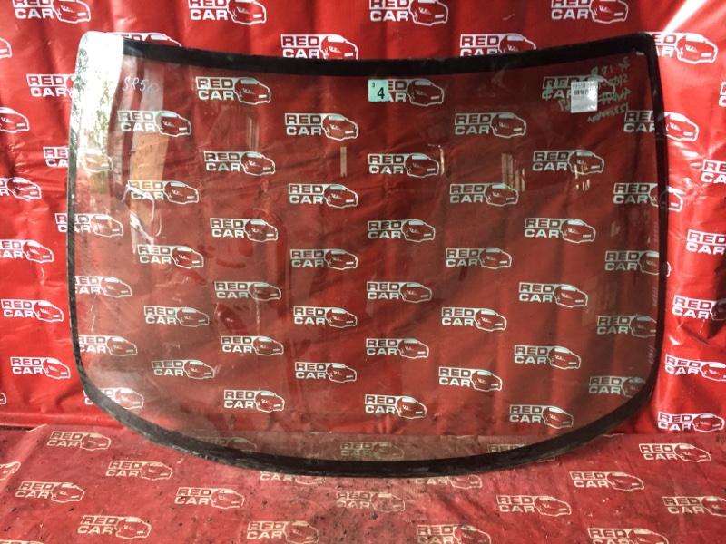 Лобовое стекло Toyota Noah SR50 переднее (б/у)