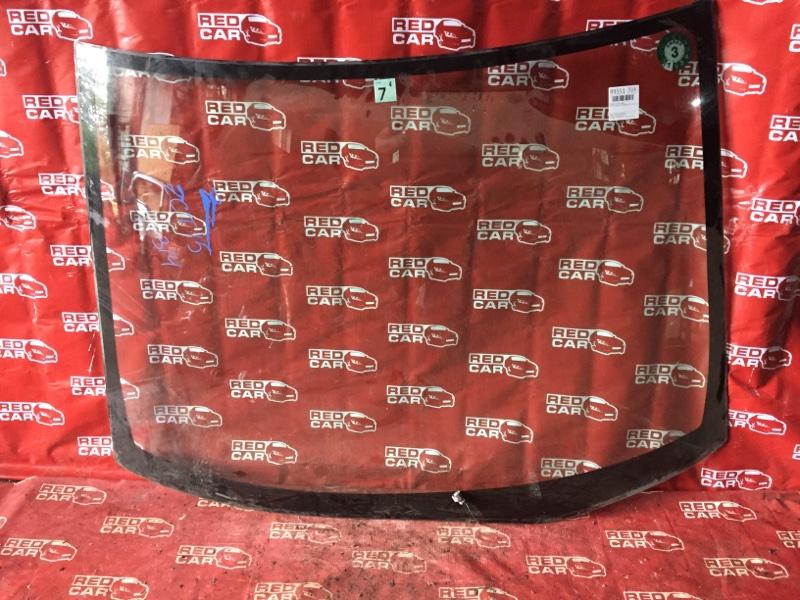 Лобовое стекло Toyota Opa ZCT15-0005426 1ZZ-3773782 2001 переднее (б/у)