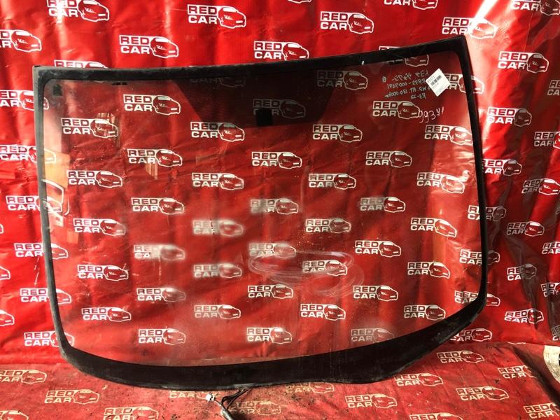 Лобовое стекло Toyota Voxy ZRR75 переднее (б/у)