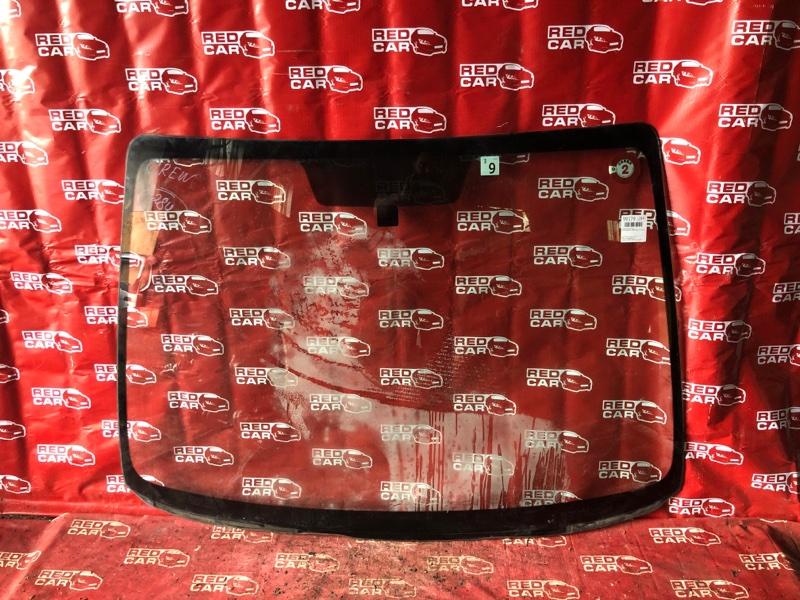 Лобовое стекло Mazda Premacy CREW-118117 LF-576136 2005 переднее (б/у)