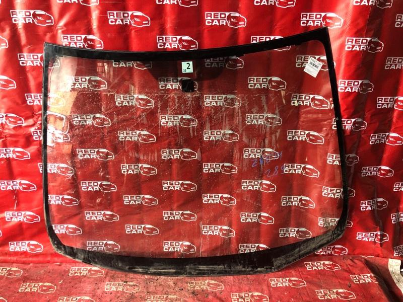 Лобовое стекло Toyota Wish ZNE14-0003263 1ZZ-1328567 2003 переднее (б/у)