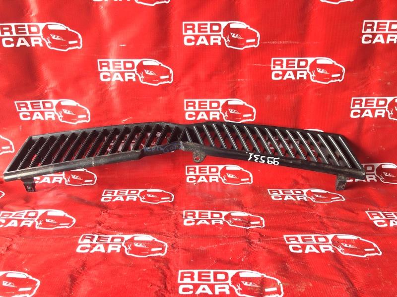 Решетка радиатора Toyota Platz NCP16-0014860 2NZ-2282567 2002 (б/у)