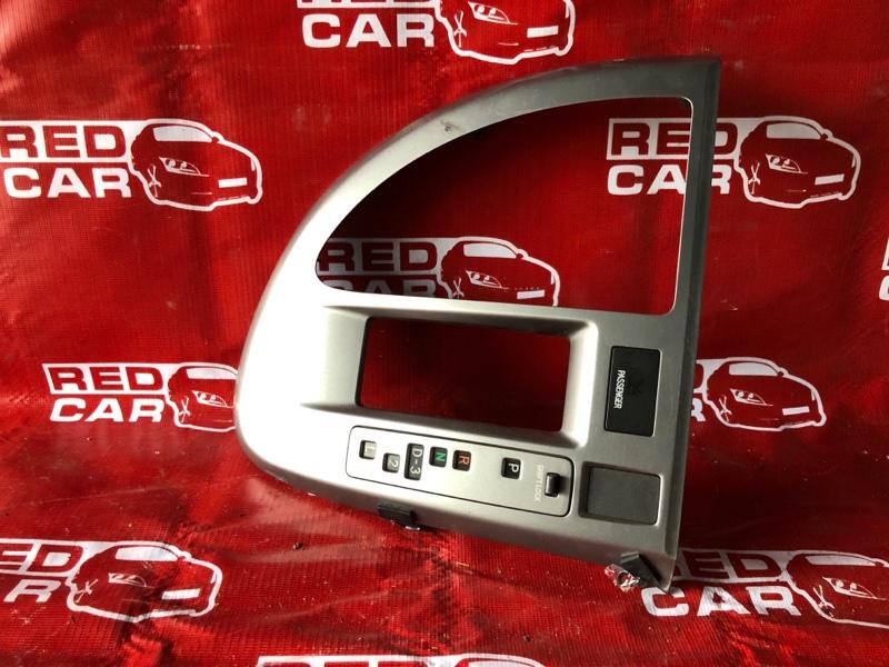 Консоль кпп Toyota Ractis NCP105-0006171 1NZ-C036969 2006 (б/у)