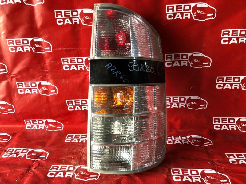 Стоп-сигнал Toyota Voxy AZR65-0046691 1AZ-4699992 2002 правый (б/у)