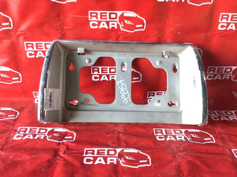 Накладка 5-й двери Toyota Hiace KZH1014174 1KZ-0181796 2001 (б/у)