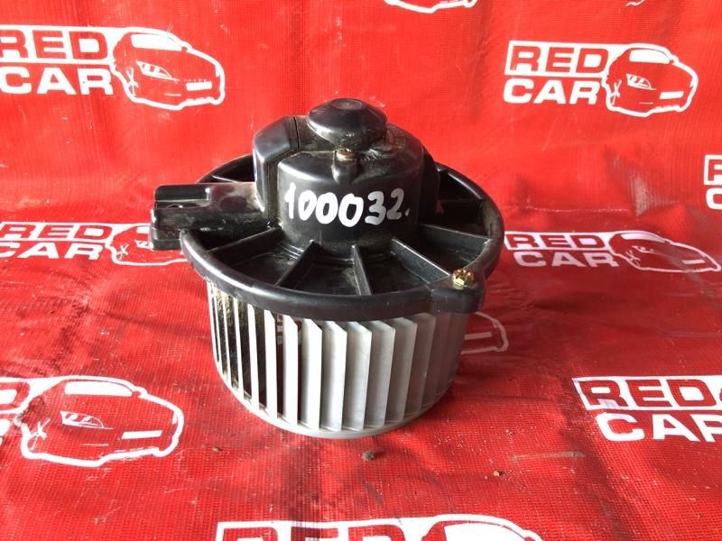 Мотор печки Toyota Vitz SCP10-3020022 1SZ-0041430 1999 (б/у)