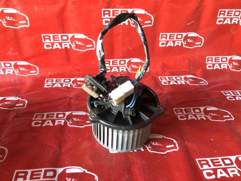 Мотор печки Toyota Funcargo NCP25-0025405 1NZ-A194702 2001 (б/у)