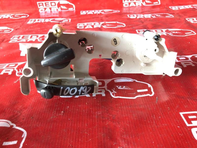 Климат-контроль Toyota Platz SCP11-0002814 1SZ-0241702 1999 (б/у)