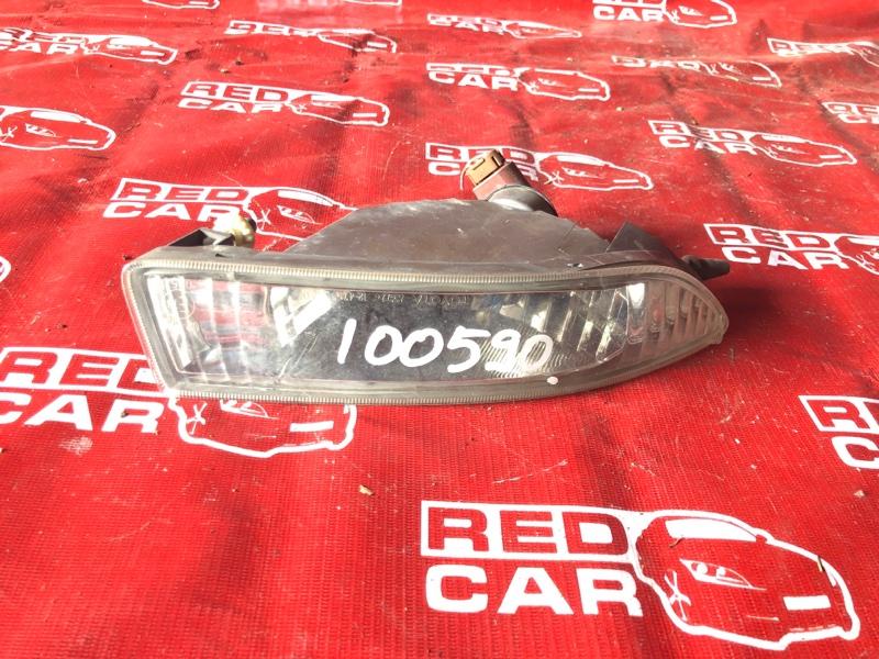 Туманка Toyota Corolla Runx NZE124-5002724 1NZ-A336692 2001 правая (б/у)