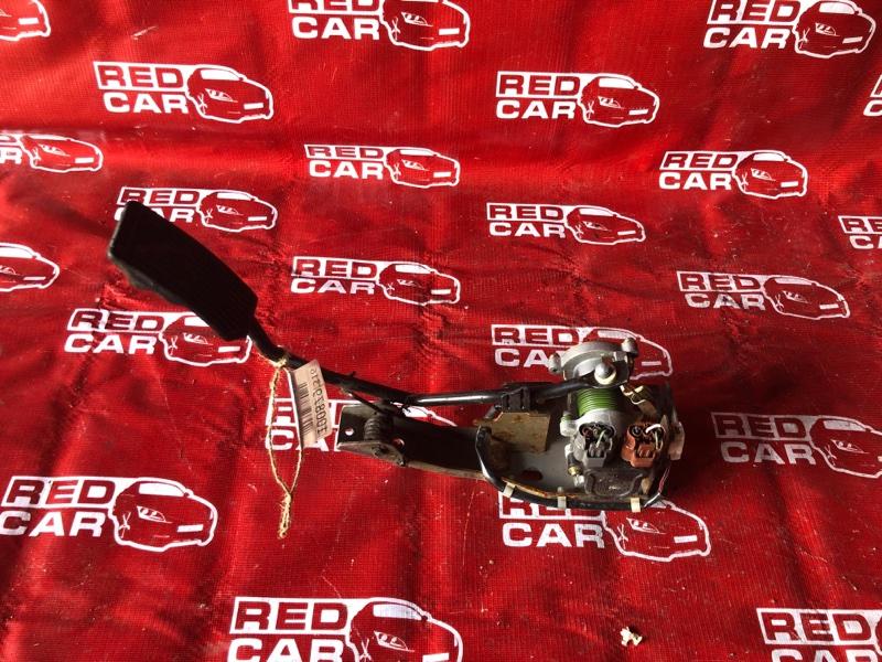 Педаль газа Nissan Elgrand ATWE50-008758 ZD30-032753A 2000 (б/у)