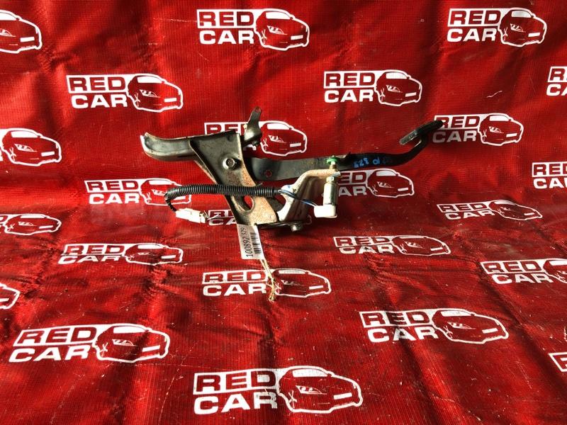 Педаль сцепления Toyota Vitz SCP10-3020022 1SZ-0041430 1999 (б/у)