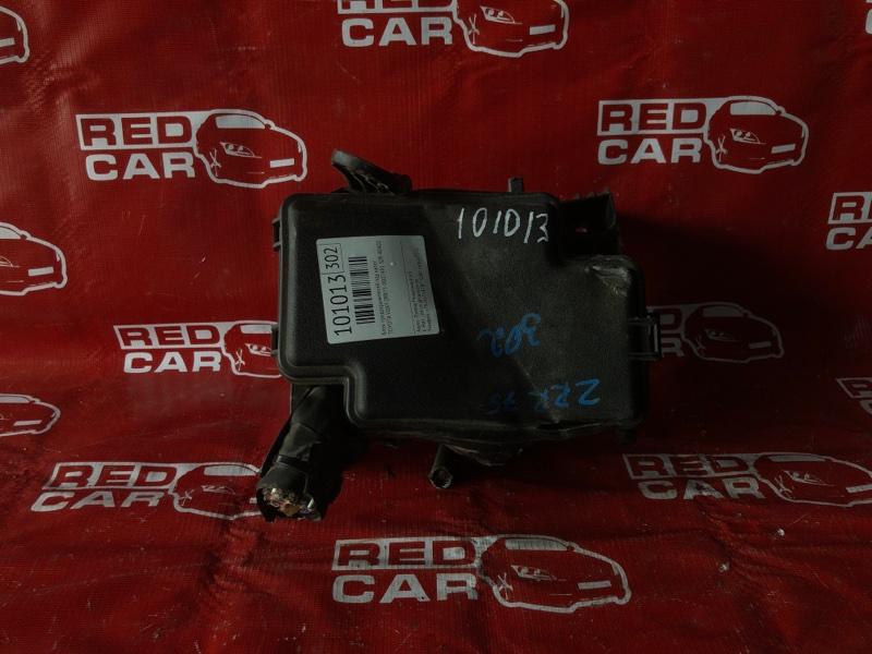 Блок предохранителей под капот Toyota Voxy ZRR75-0007491 3ZR-4040238 2007 (б/у)
