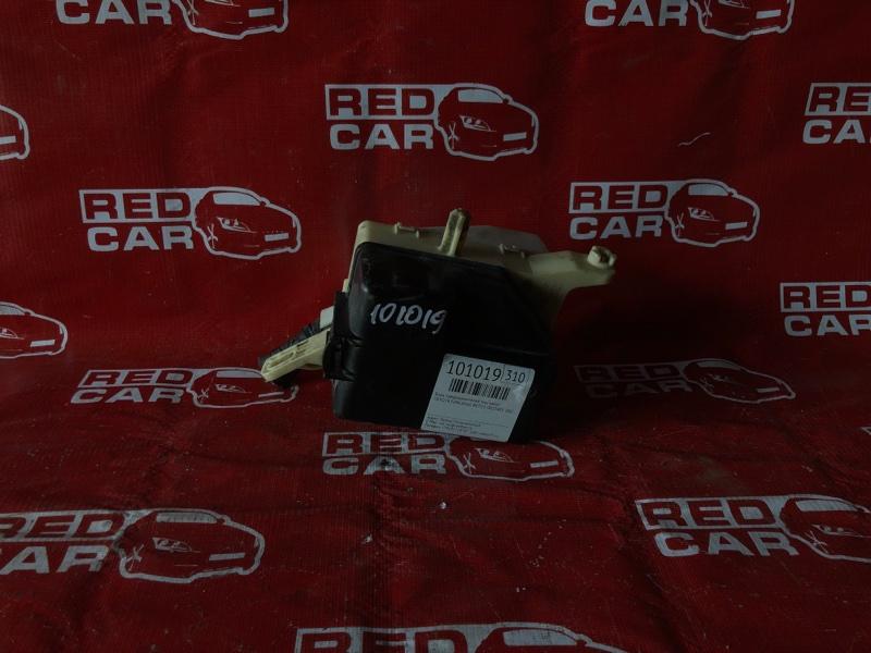 Блок предохранителей под капот Toyota Funcargo NCP25-0025405 1NZ-A194702 2001 (б/у)