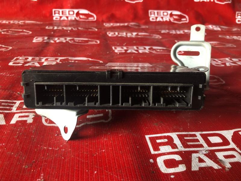 Блок управления abs Toyota Voxy AZR65-0046691 1AZ-4699992 2002 (б/у)