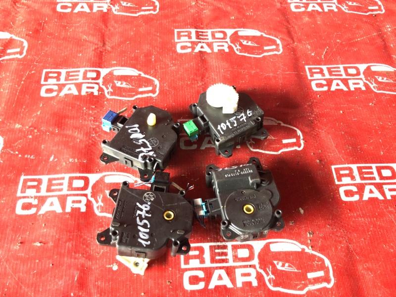 Сервопривод заслонок печки Toyota Voxy ZRR75-0007491 3ZR-4040238 2007 (б/у)