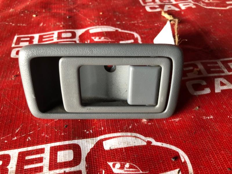 Ручка задней двери Toyota Funcargo NCP25-0025405 1NZ-A194702 2001 (б/у)