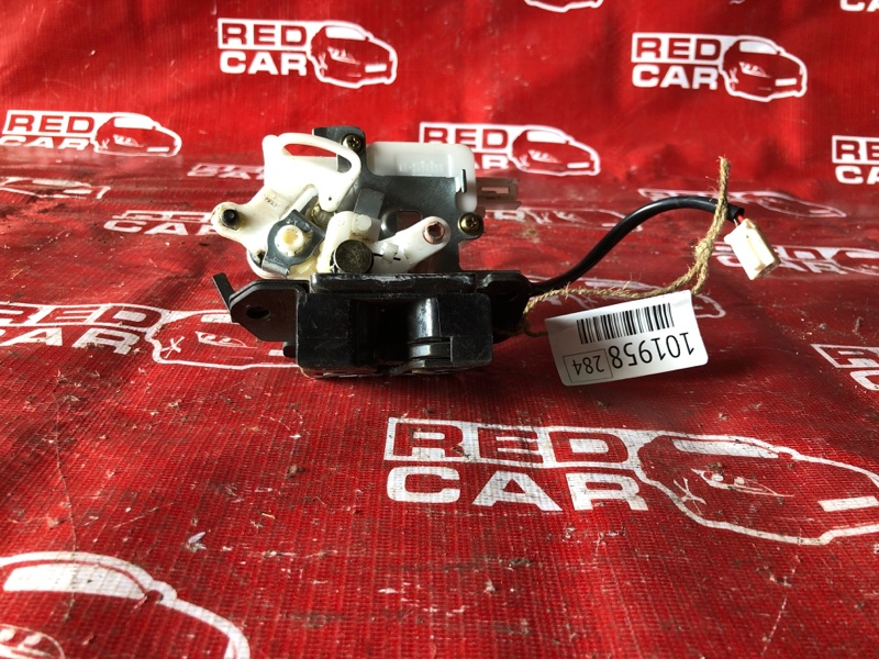 Замок 5-й двери Mazda Premacy CREW-118117 LF-576136 2005 (б/у)
