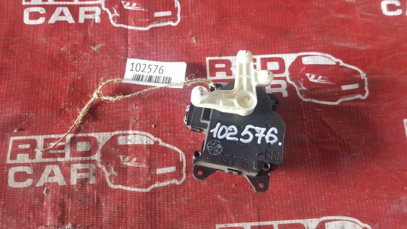 Сервопривод заслонок печки Toyota Probox NCP55 (б/у)