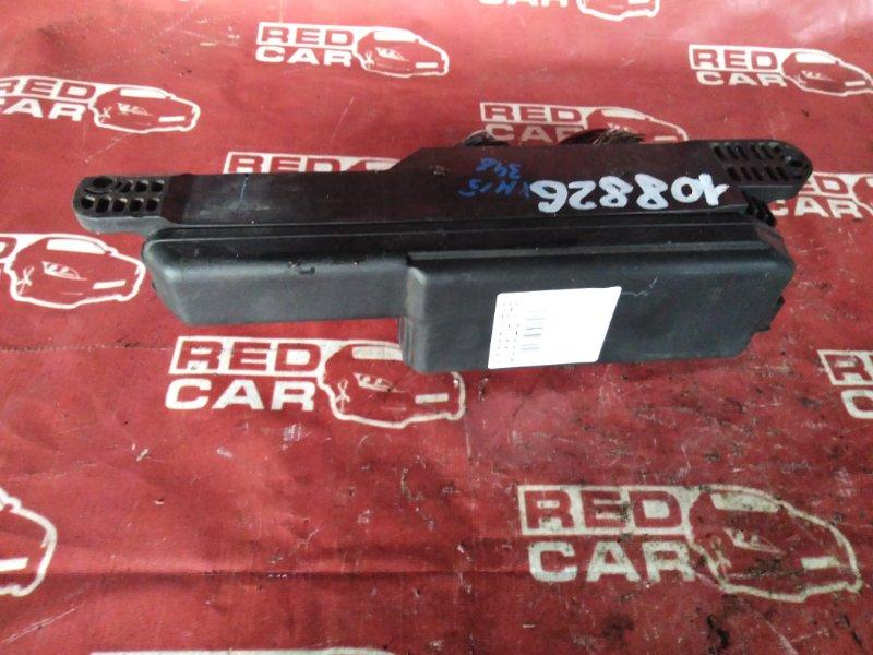 Блок предохранителей под капот Toyota Gaia SXM15-0044758 3S-7548900 1998 (б/у)