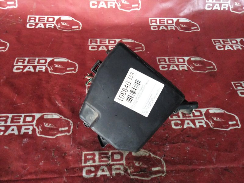 Блок предохранителей под капот Toyota Ractis NCP100-0050177 1NZ-C2388555 2006 (б/у)