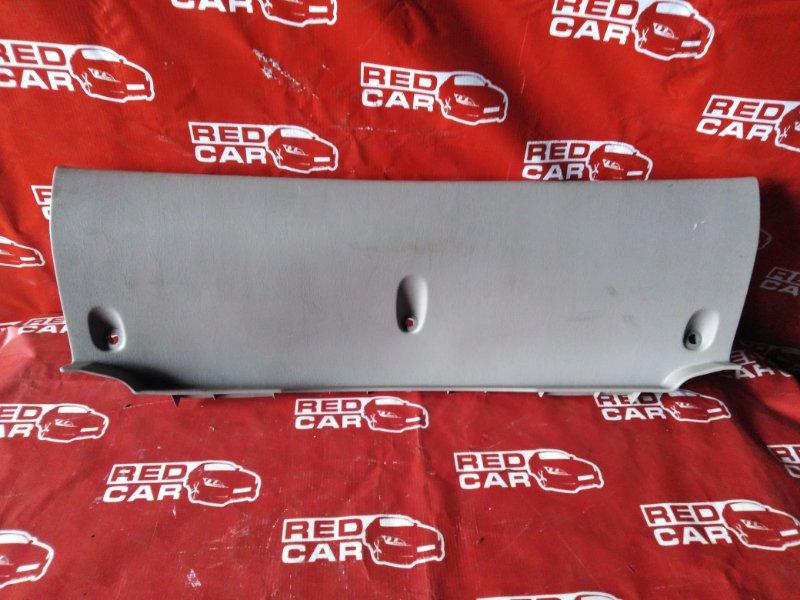 Накладка замка багажника Toyota Spacio AE111-6046716 4A-M109351 1997 (б/у)