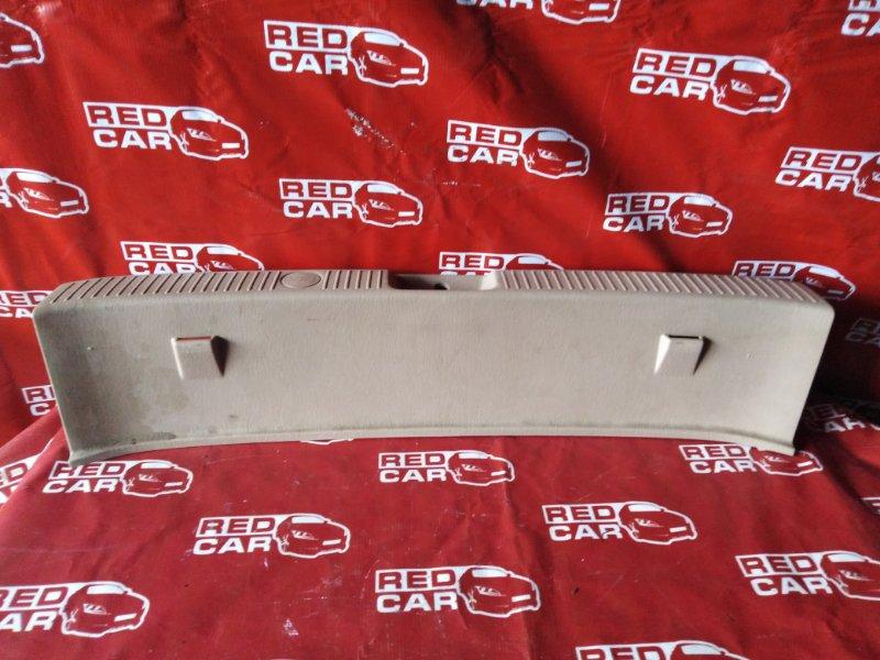 Накладка замка багажника Toyota Gaia SXM15-0044758 3S-7548900 1998 (б/у)