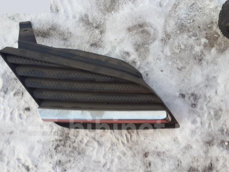 Решетка радиатора Nissan Primera TP12 правая (б/у)
