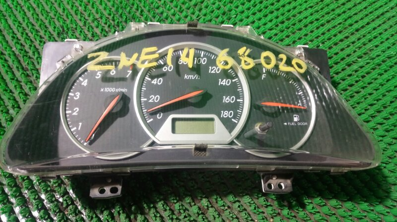 Щиток приборов Toyota Wish ZNE14 1ZZ-FE 2005 (б/у)