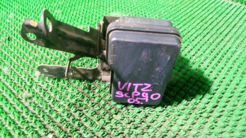 Блок abs Toyota Vitz SCP90 1SZ-FE 2005 (б/у)