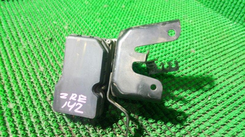 Блок abs Toyota Corolla Axio ZRE142 2ZR-FE (б/у)