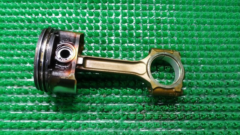 Поршень с шатуном Nissan Qashqai J10 MR20DE 2006 (б/у)