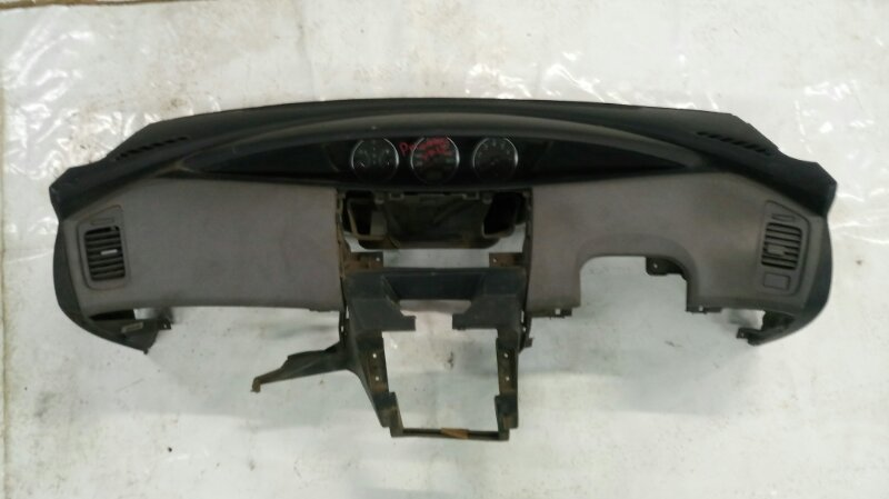 Панель передняя в салон Nissan Primera TP12 (б/у)