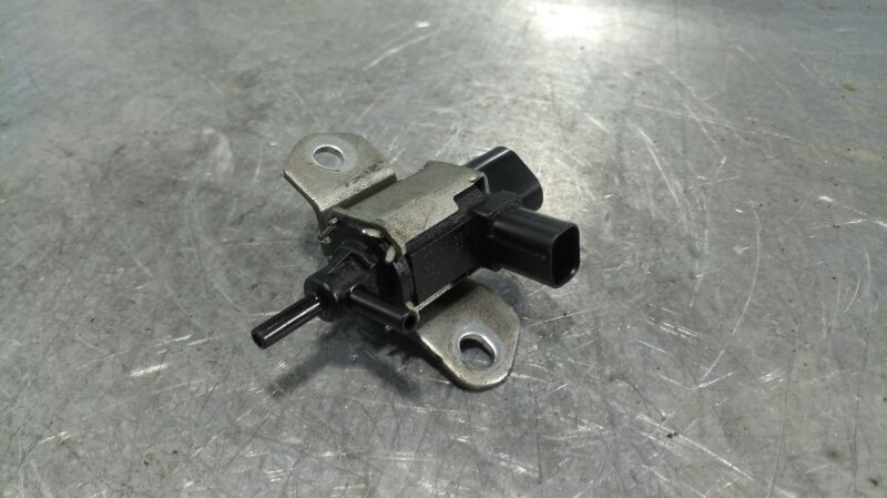 Вакуумный клапан Mazda Atenza GG3S L3-DE 2003 (б/у)