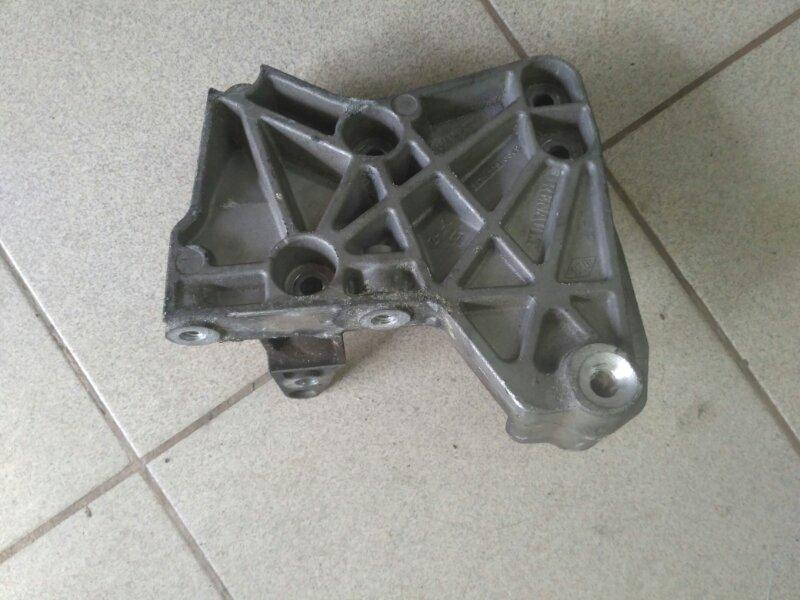 Кронштейн двигателя Renault Scenic 2 JM K9K 2009 правый (б/у)