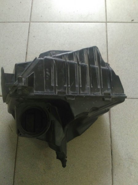 Корпус воздушного фильтра Renault Megane 3 EZ0/1 K9K834 2011 (б/у)