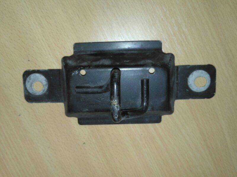 Ответная часть замка капота Renault Megane 3 EZ0/1 K9K834 2011 (б/у)