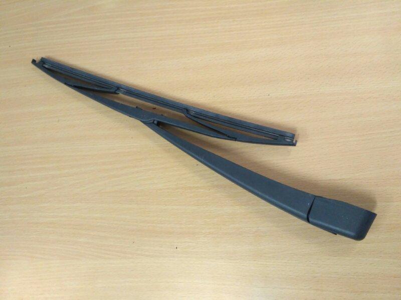 Рычаг стеклоочистителя заднего Renault Megane 3 EZ0/1 K9K834 2011 (б/у)
