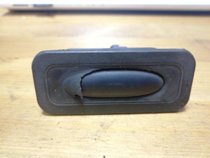 Кнопка открывания багажника Renault Megane 3 К9К задняя (б/у)