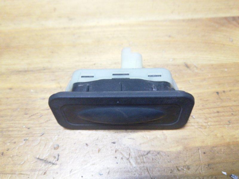 Кнопка открывания багажника Renault Megane 3 К4М задняя (б/у)