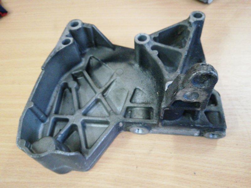 Кронштейн двигателя Renault Megane 2 К9К правый (б/у)