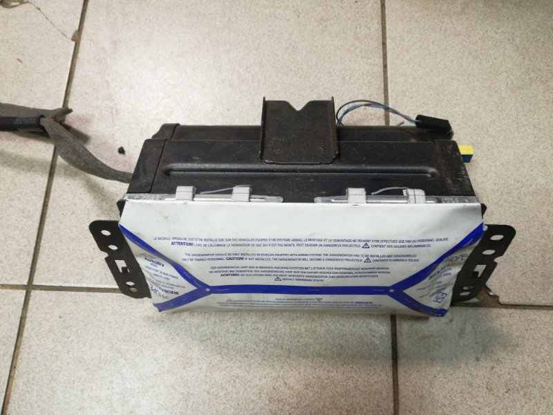 Подушка безопасности пассажира Renault Megane 2 К9К правая (б/у)