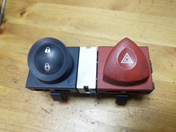 Кнопка аварийной сигнализации Renault Megane 2 K4M 2007 (б/у)