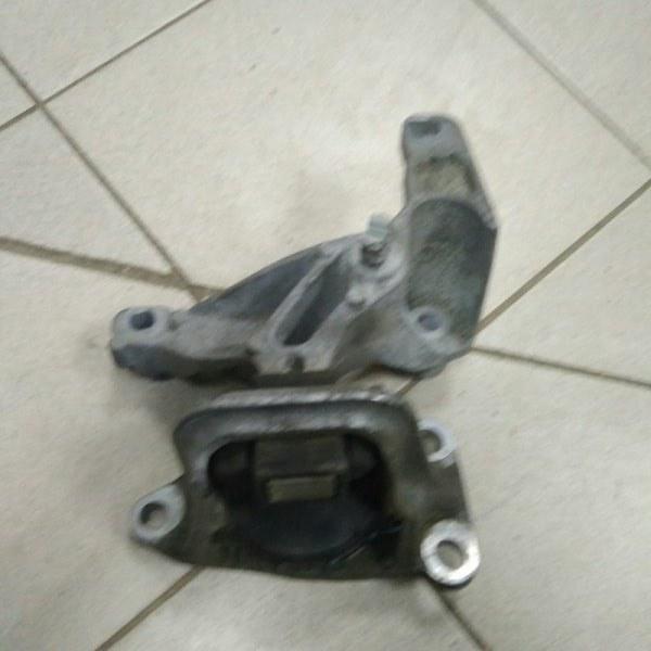 Опора двигателя Renault Megane 3 К4М 2011 (б/у)