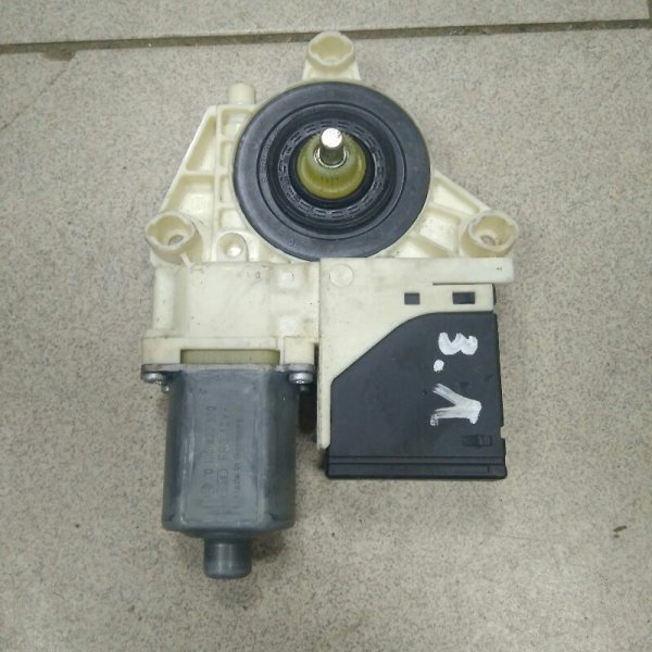 Мотор стеклоподъемника Renault Megane 3 K9K 2009 задний левый (б/у)