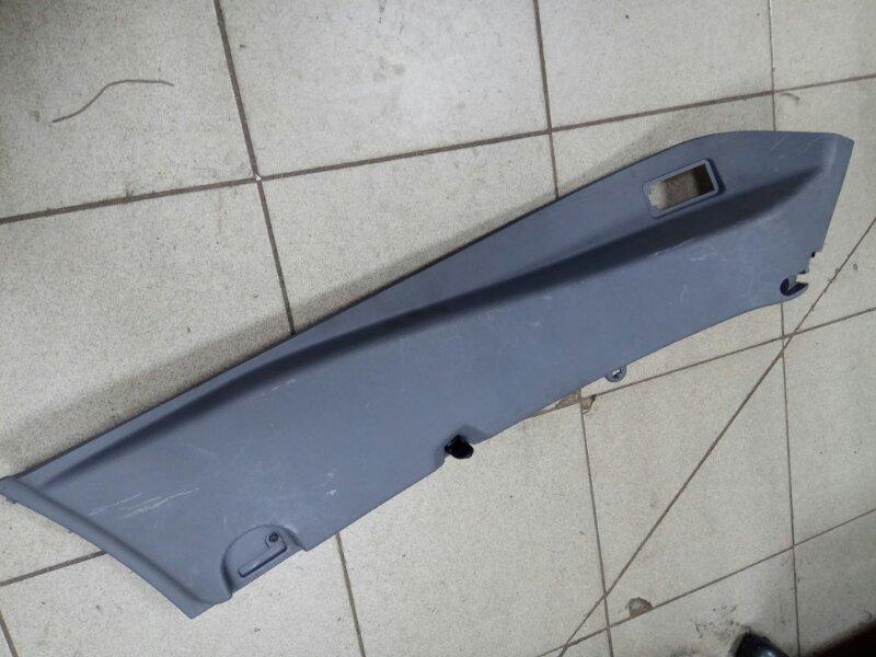 Обшивка багажника Renault Grand Scenic 2 M9RA700 2007 задняя правая (б/у)